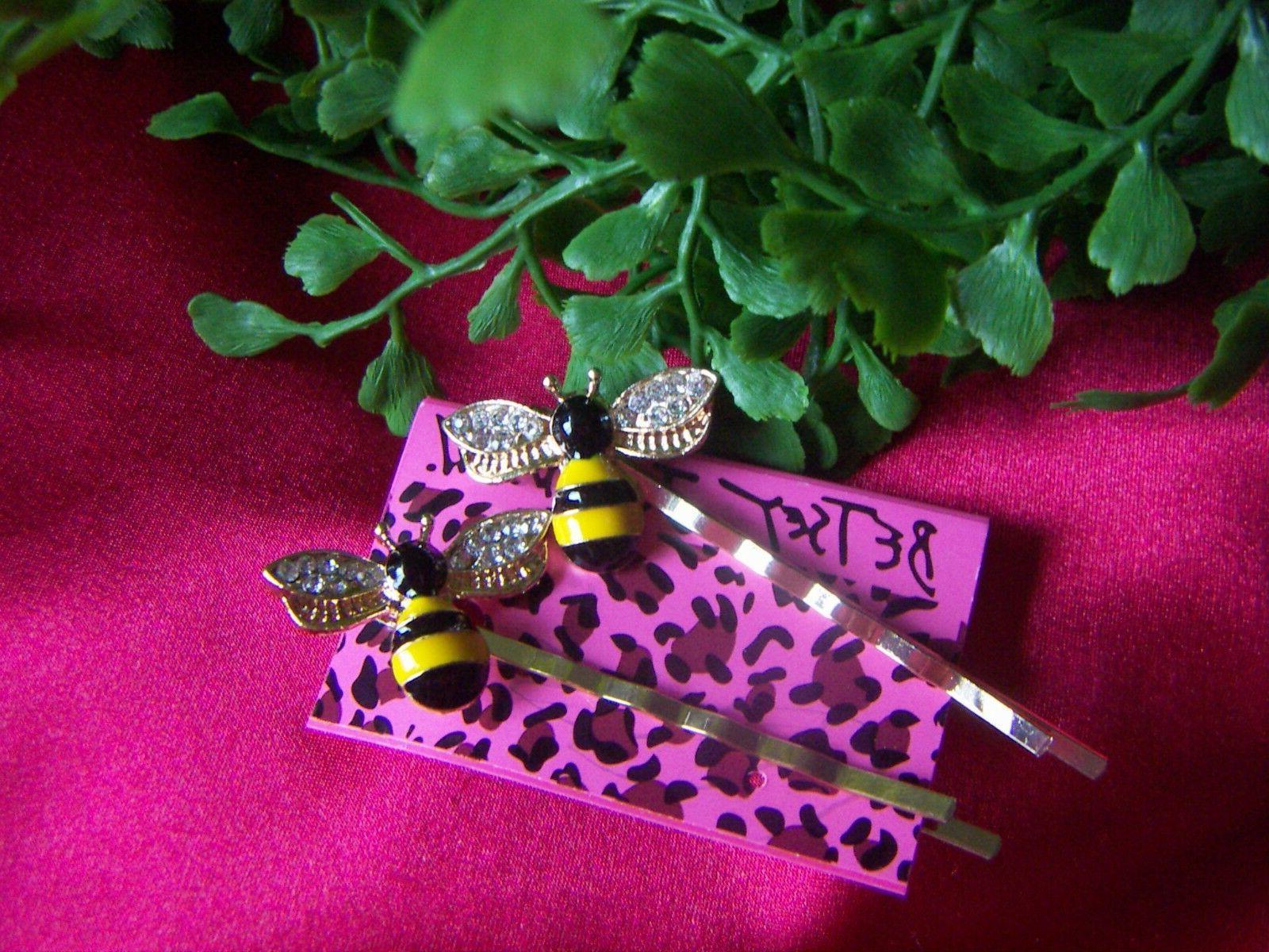 Betsey Honey Bee Clip Pin
